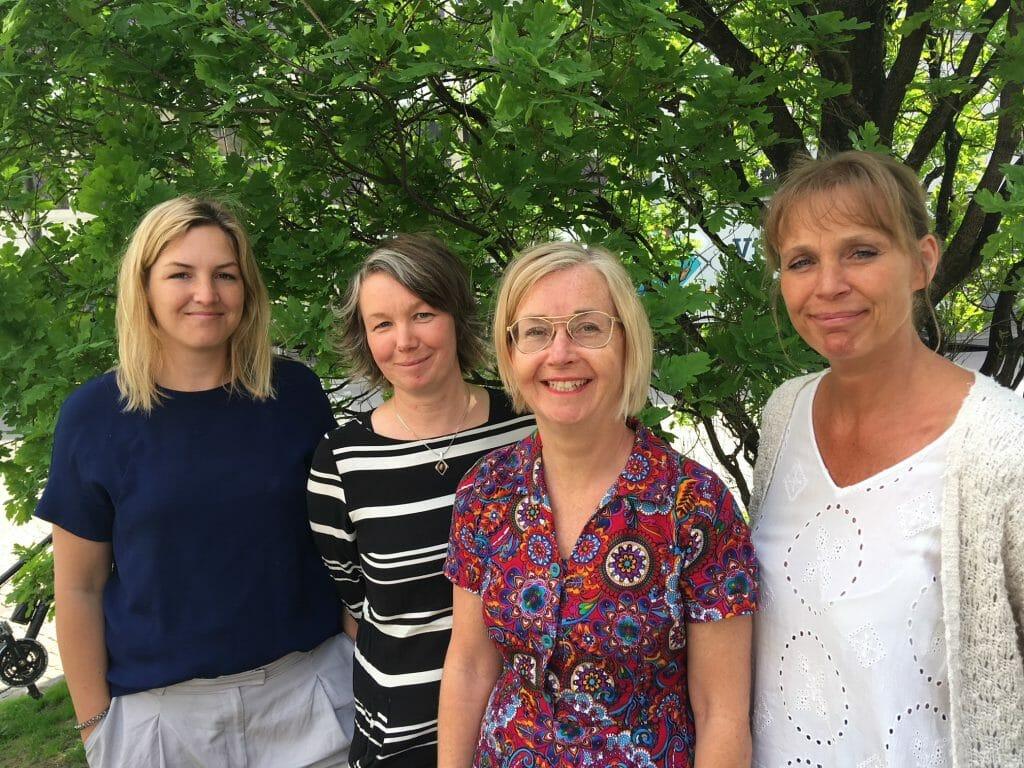 Åsa Davidsson , Kunskapscentrum för jämställd vård, Sara pang, socionom vid Hjällbo familjecentral i Angered, Ann Jansson och Linda Wenzel, BHV-sjuksköterska, Hjällbo familjecentral är alla mycket glada över satsningen på nyfödda.
