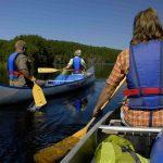 Människor som paddlar kanot. Foto: Göran Assner