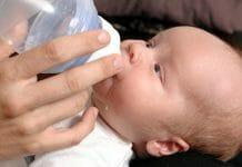 Västra Götalandsregionen och flera kommuner inleder nu ett samarbete med utökade hembesök för nyfödda.