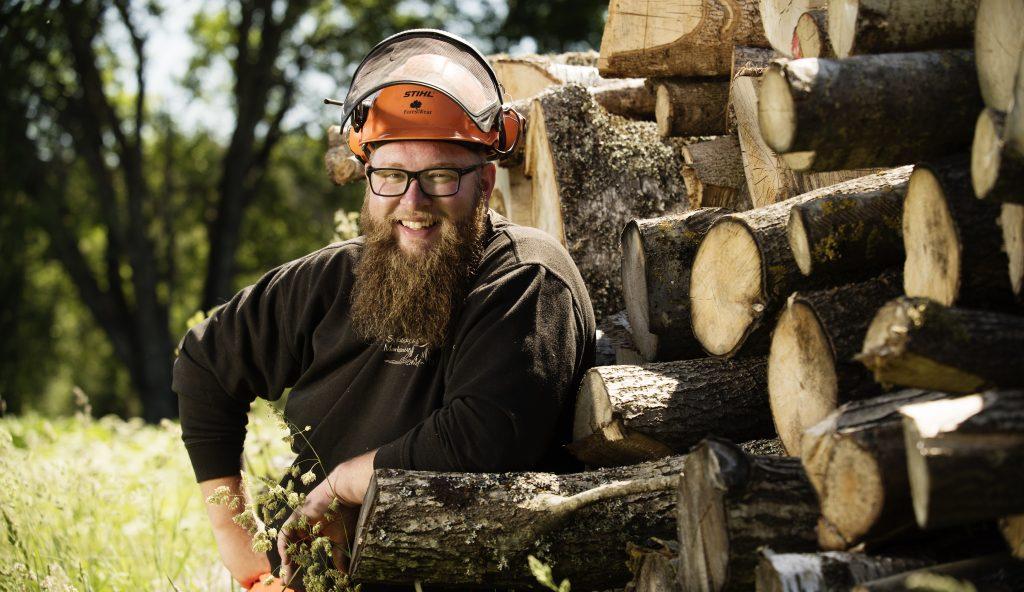 Martin Spjut grundare och ägare av Spjuts skog & marktjänst AB och stolt vinnare av Unga Landbygdspriset 2018.