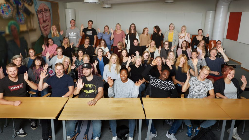 47 nyutexaminerade sjuksköterskor har valt att samtidigt börja på Skaraborgs sjukhus och inleder sina anställningar med ett kliniskt basår.