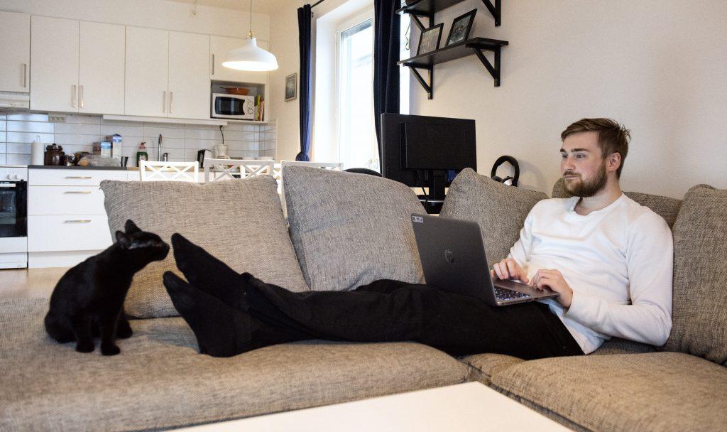 David valde internetbehandling eftersom han då skulle få möjlighet att prata med sin terapeut på telefon en gång i veckan och att han skulle ha möjlighet att göra övningarna när det passade honom. Foto: Anna Rehnberg