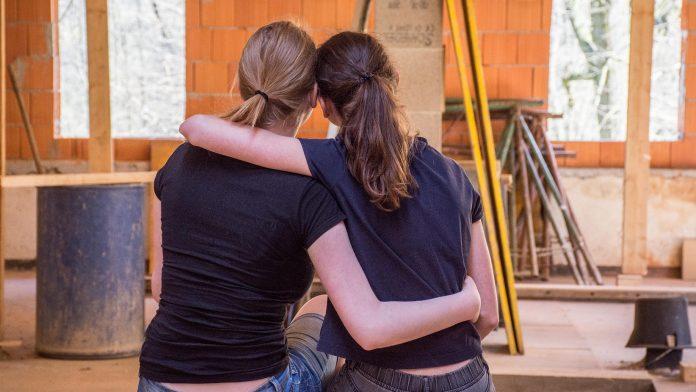 Att bry sig om sin familj och sina vänner är de egenskaper som invånarna i Västra Götaland beundrar mest enligt en undersökning från Göteborgs Universitet.
