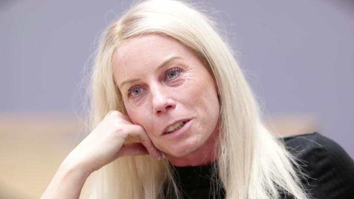 Porträtt på Sandra som berättar om när hon blev sjuk i covid -19