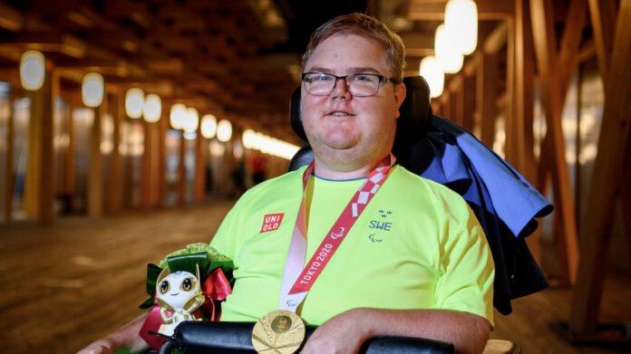 Philip Jönsson från Mariestad fick den första svenska OS-guldmedaljen och slog paralympiskt rekord i tio meter stående luftgevär. Philip Jönsson fick parasportstipendiet 2013. Foto: Simon Hastegård